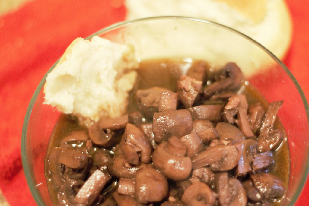 Ree's Crockpot Burgundy Mushrooms